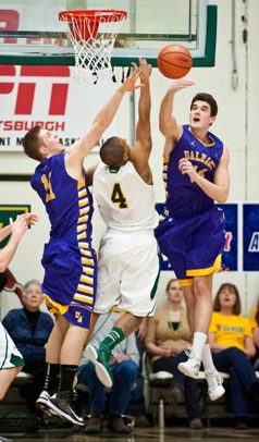 UAlbany men's basketball team against Vermont