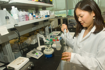 UAlbany sophomore Hyojung Seo learns research skills.