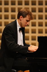 UAlbany's Duncan Cumming at the piano