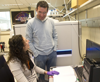 Dan Fabris and Maria Basanta Sanchez of UAlbany's RNA Institute