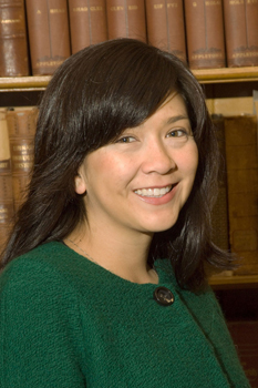 Laura Iba�ez  was a Center for Women in Government and Civil Society Fellow.
