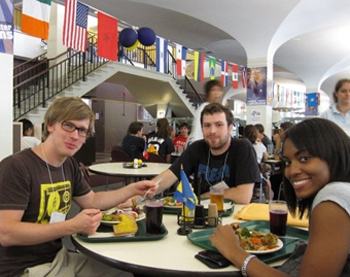 UAlbany international students enjoy food and each other's company