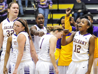 UAlbany Women's Basketball team