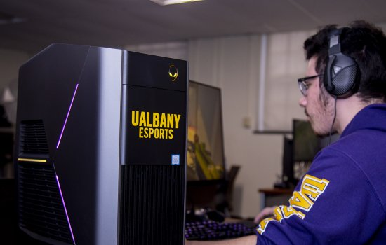 UAlbany eSports Donates $5,000 to Students in Need through SUNY Tournament