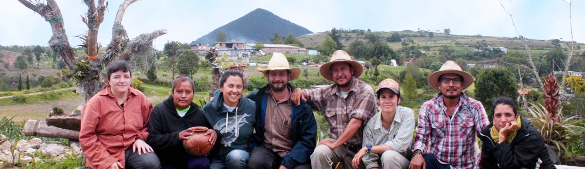 Research team of the Tonaltepec Ethnoarchaeological Project led by Dr. Verónica Pérez Rodriguez